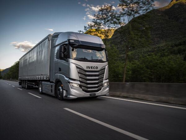 Ny IVECO S-Way: den 100% opkoblede lastbil løfter hensynet til chaufføren og forretningsproduktiviteten til det næste niveau